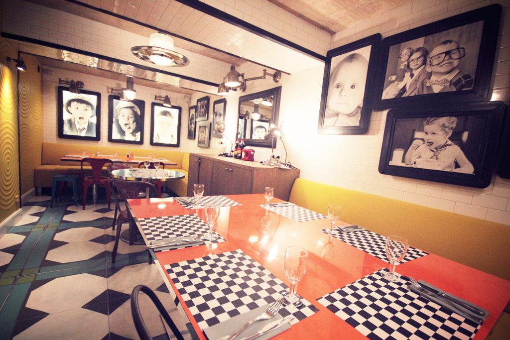 Best-Burger-Moutarde-Street-Paris-10