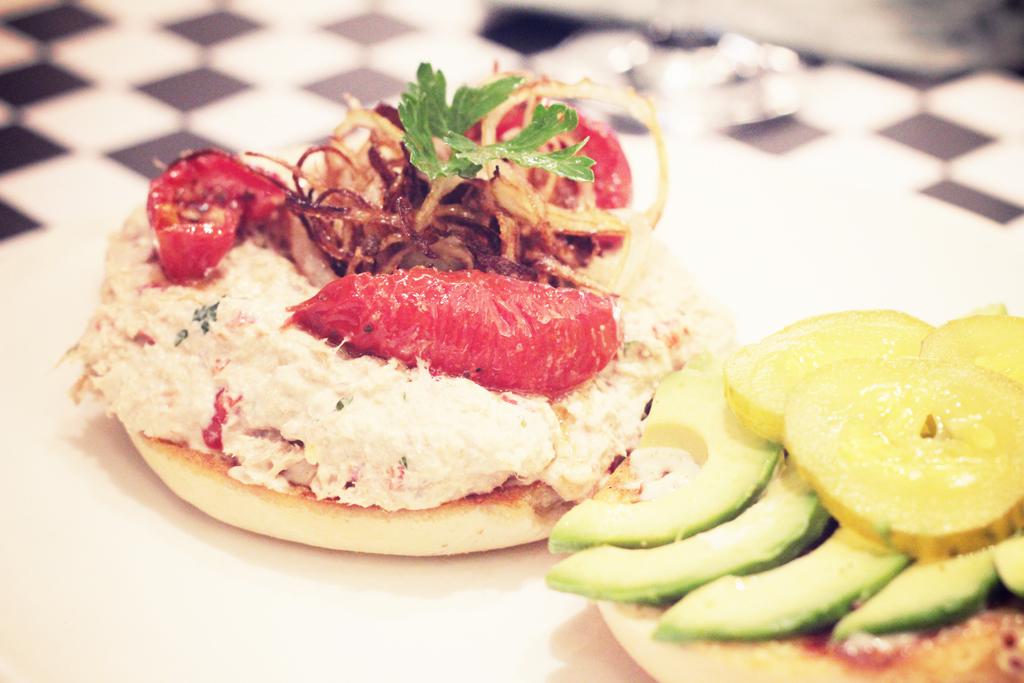 Best-Burger-Moutarde-Street-Paris-12
