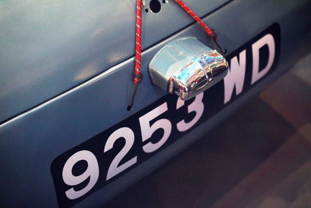 Car-SOS-NationalGeorgraphiecChannel-0109