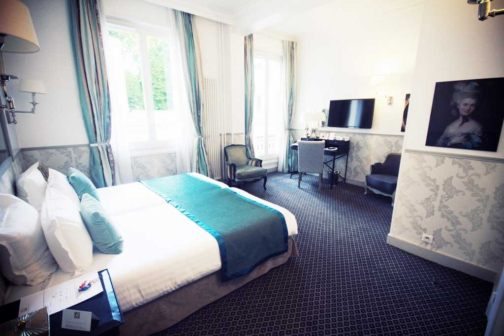Hotel-Bradford-Paris-1