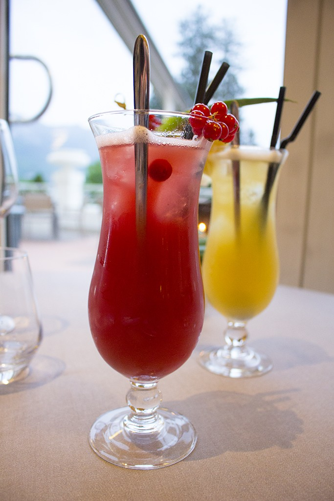 cocktail hip bar