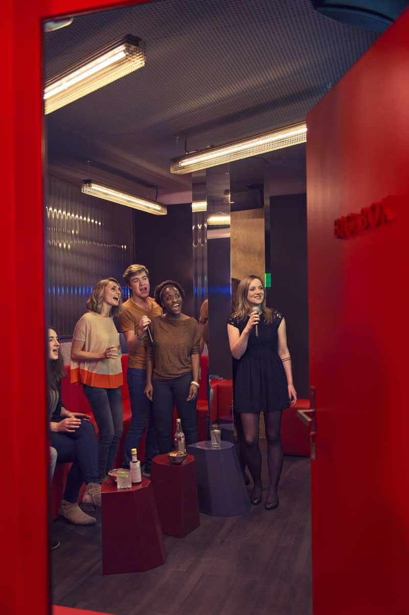 BAM-Karaoke-Box-08