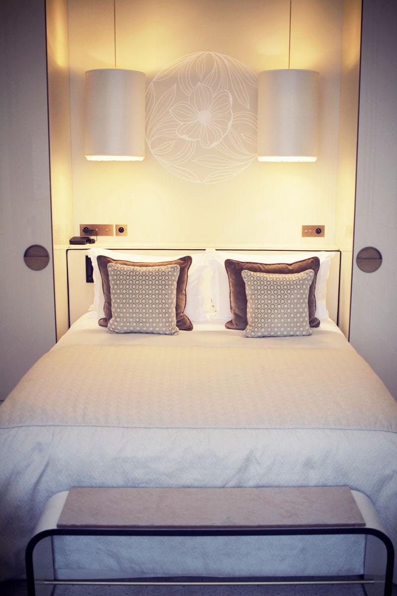 le-narcisse-blanc-hotel-paris-03
